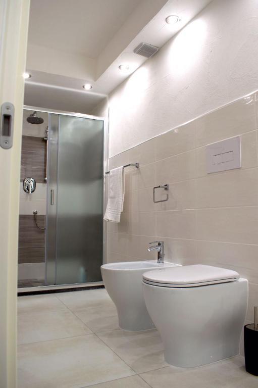 Purple Flower Suit Apartment img34