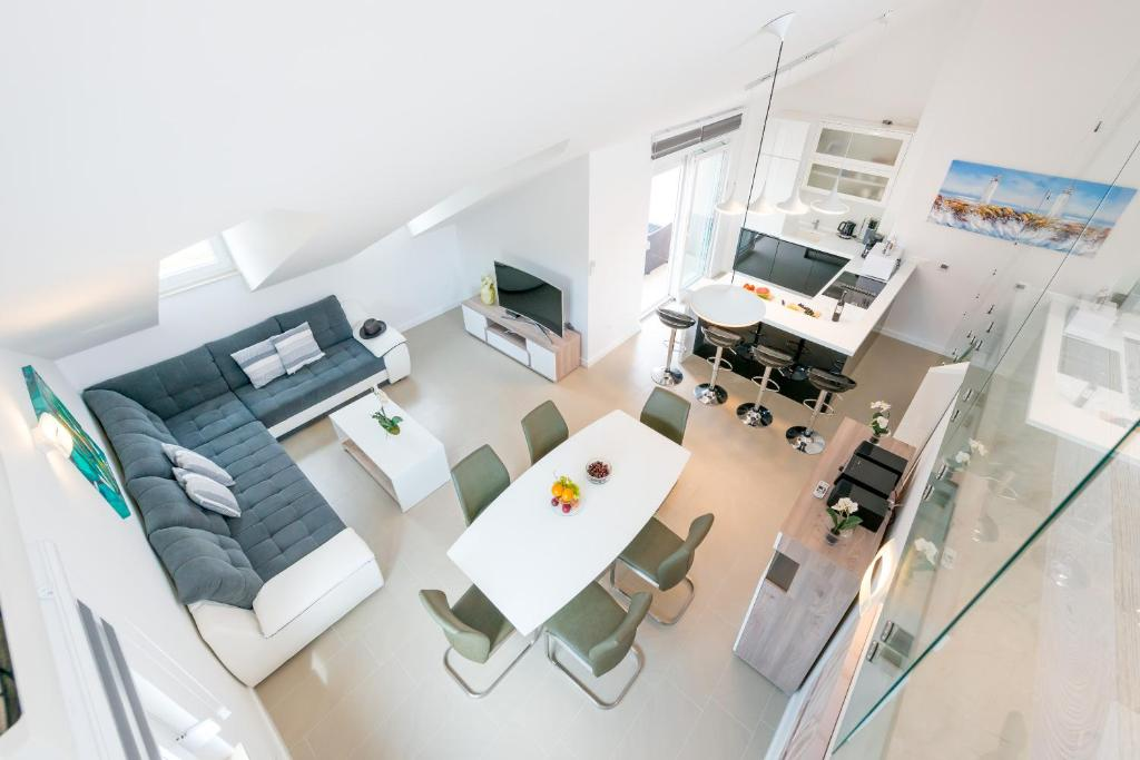 TopDeck Exclusive Apartment