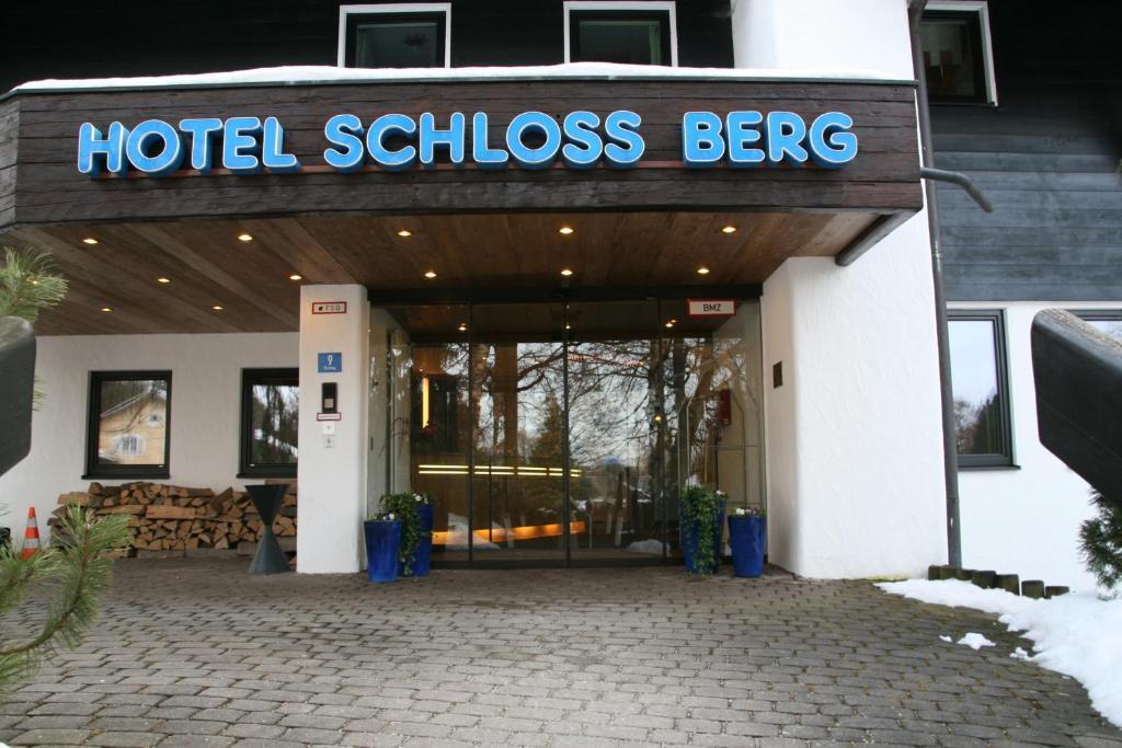 hotel schloss berg berg viamichelin informatie en online reserveren. Black Bedroom Furniture Sets. Home Design Ideas