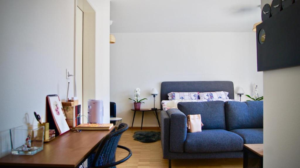In Swiss Home - Barfüsserplatz BAR street Apartment