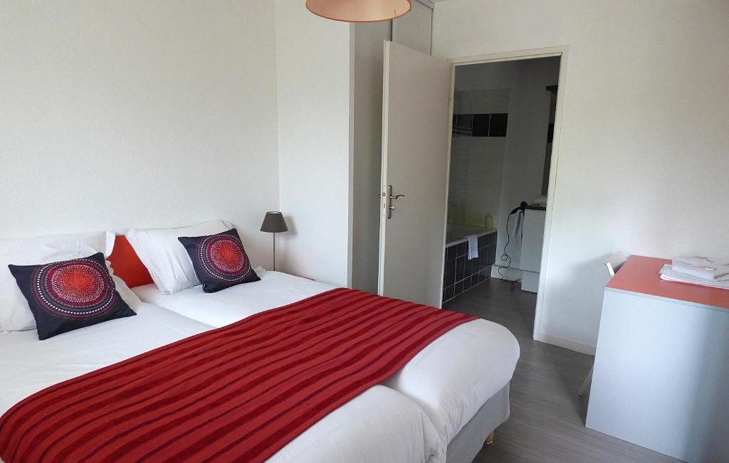 City lodge appart h tel niort r servation gratuite sur for Appart hotel 4 personnes