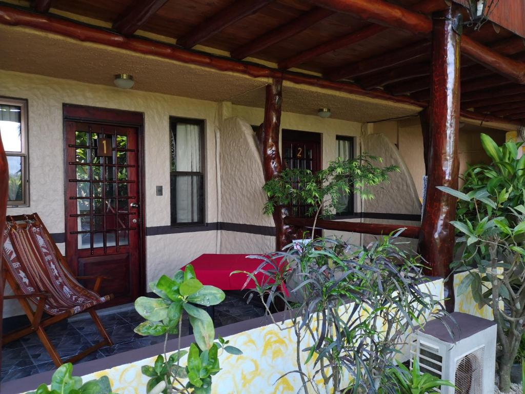 Budget Single Room Hotel Belvedere Playa Samara Costa Rica