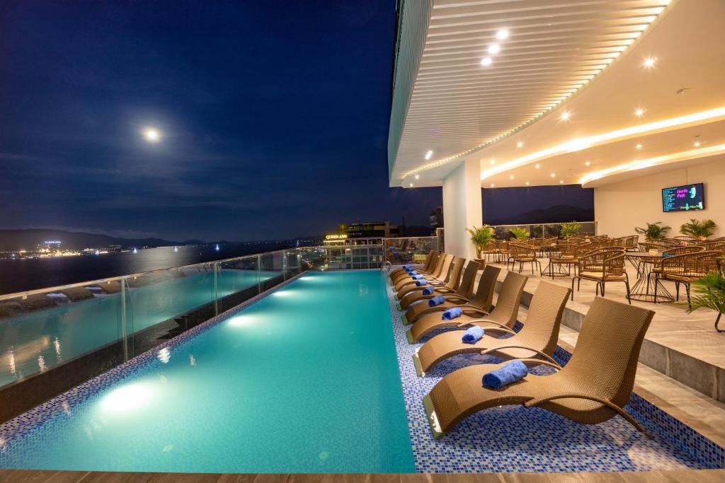 Majestic Premium Hotel