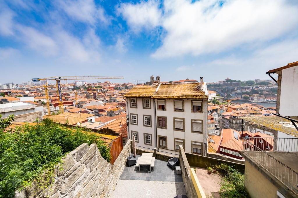 Merc Porto Vitoria's Place