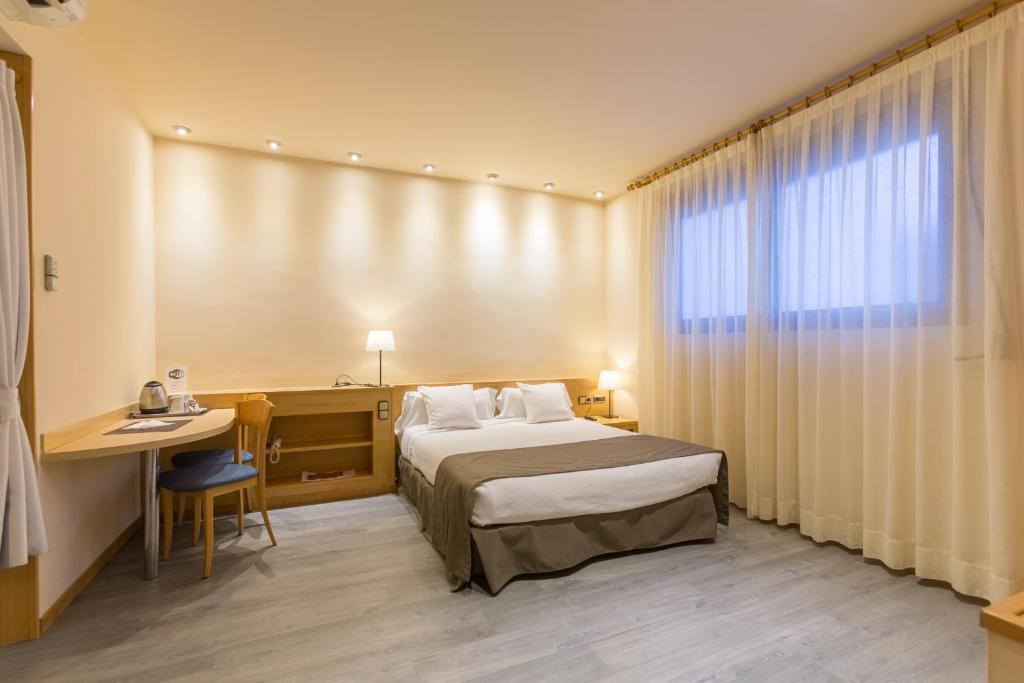 Apartamentos dv barcelona viamichelin informatie en online reserveren - Apartamentos en barcelona booking ...