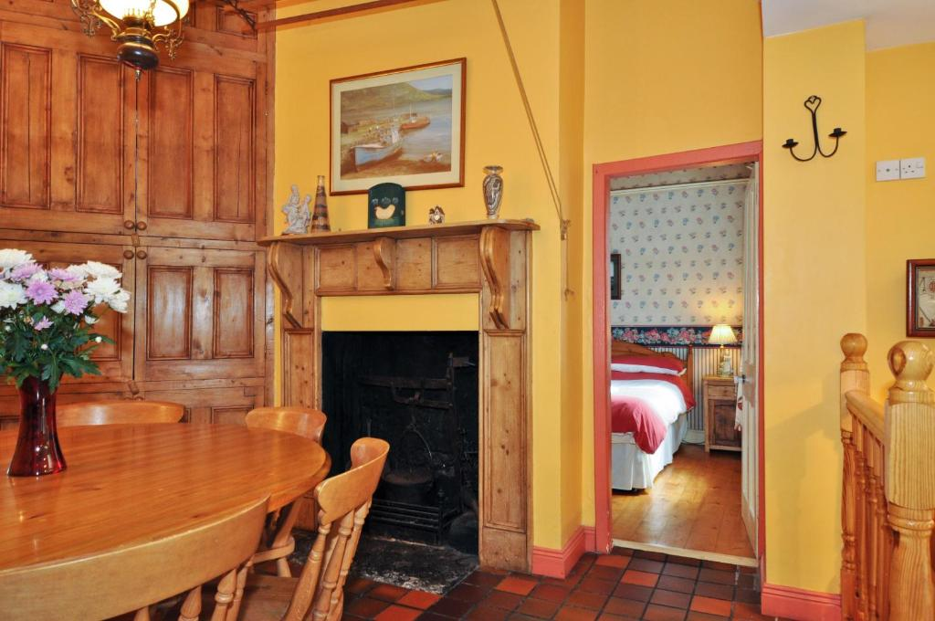 Self-Catering Cottage (7 People) Boffin Lodge Guest House