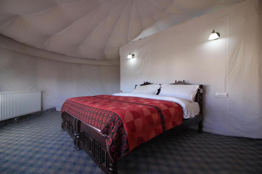 Deluxe Double Room Pangong Sarai Camps