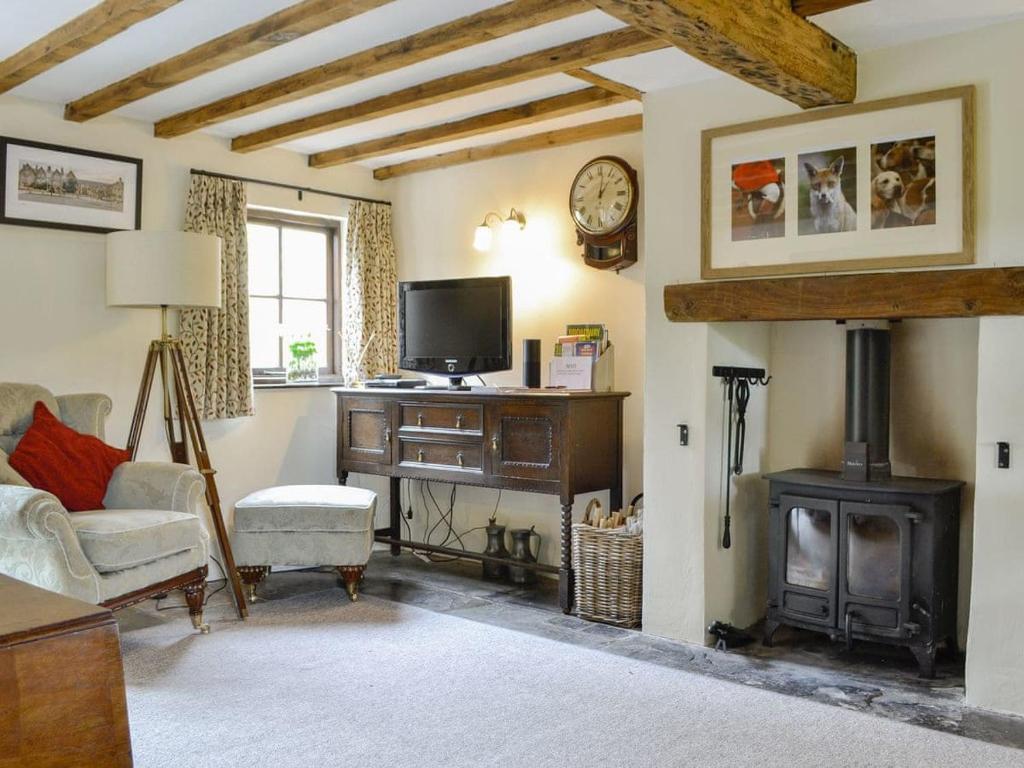 Cruck Cottage