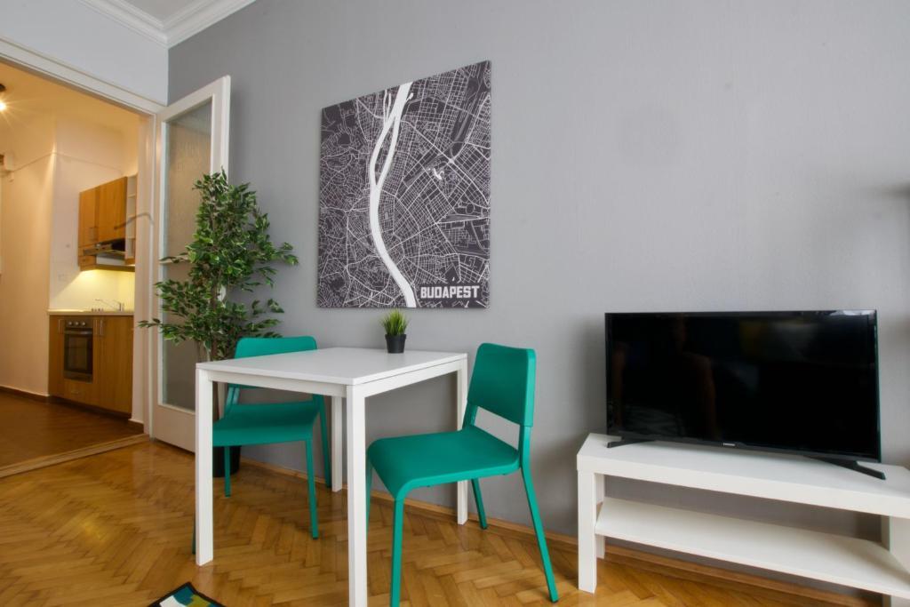 Standard Apartment by Hi5 - Asbóth 15, 1075 Budapest