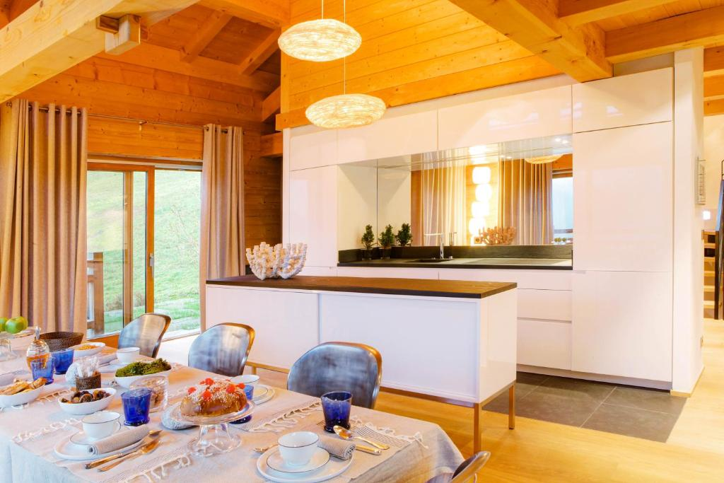 chalet la vigogne et spa le grand bornand prenotazione on line viamichelin. Black Bedroom Furniture Sets. Home Design Ideas