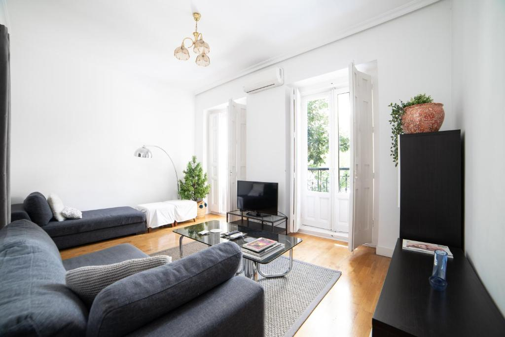 Bright apartment in Historical City Center