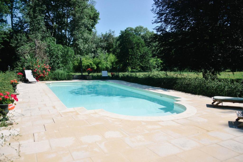 dernière conception nouvelle saison riche et magnifique Château Bérard, Guesthouse in Collias, France | Wander