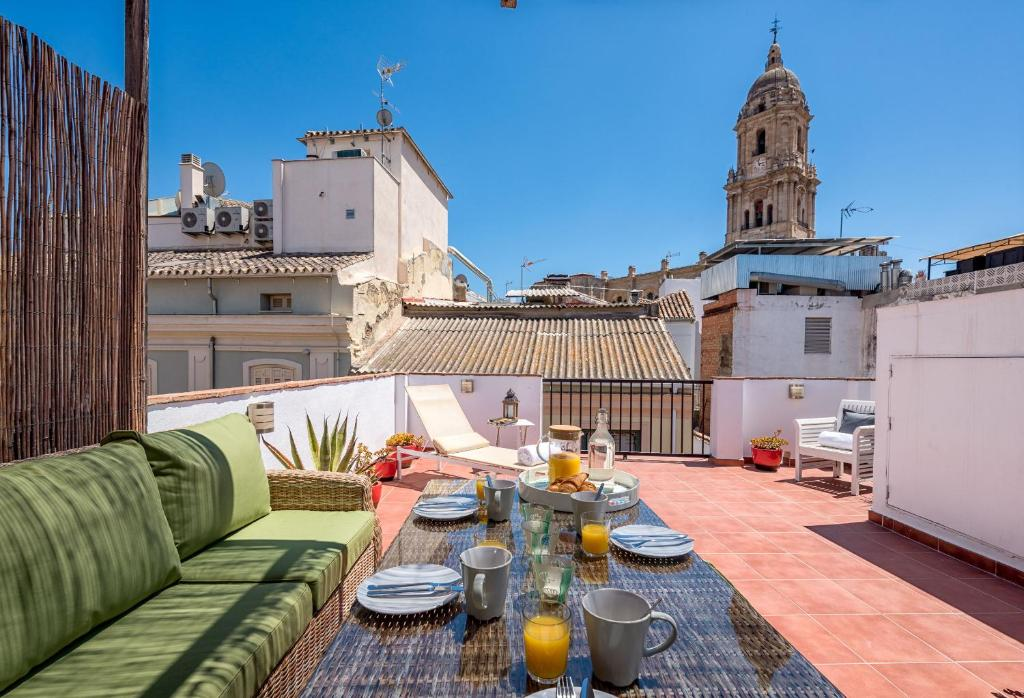 Two-bedroom apartment with roof terrace Siglo, Apartment ...