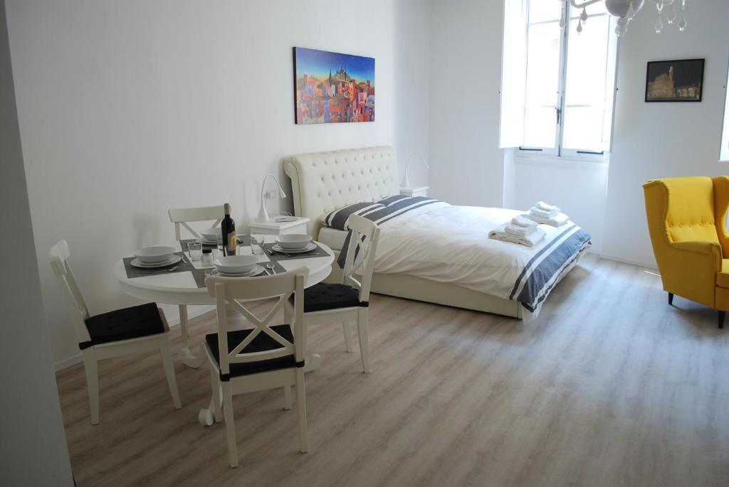Berardi Palace - Vigna Nuova Apartment