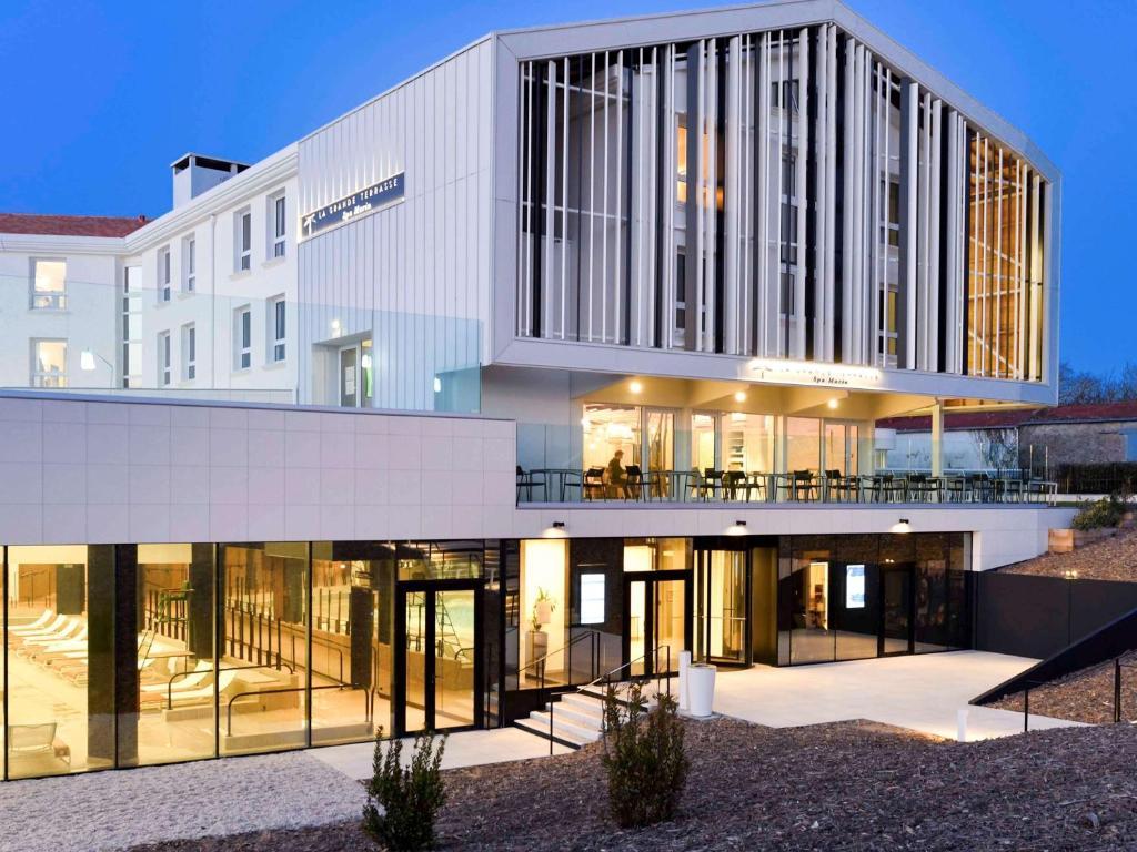 La Rochelle Hotels Family Rooms