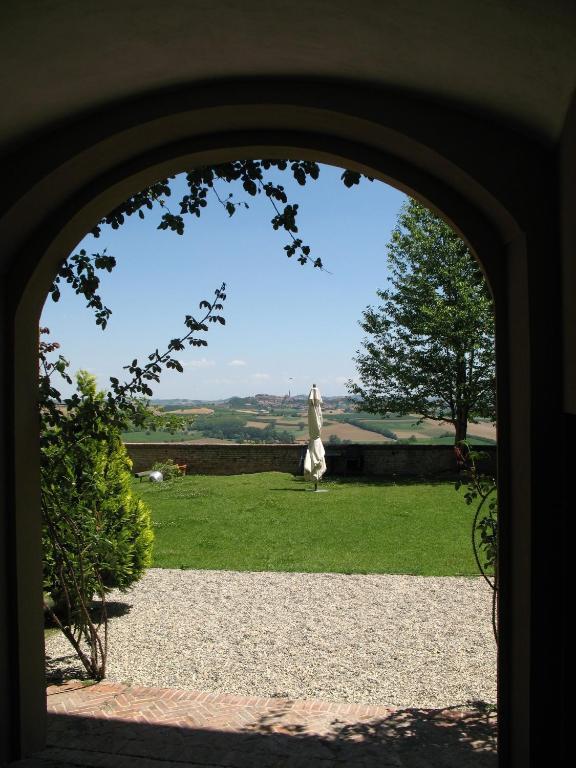 Book Soggiorno in un Castello (Montiglio) - 2019 PRICES