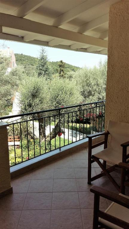 Studio Economy (2 Adults) Philippos Hotel Apartments