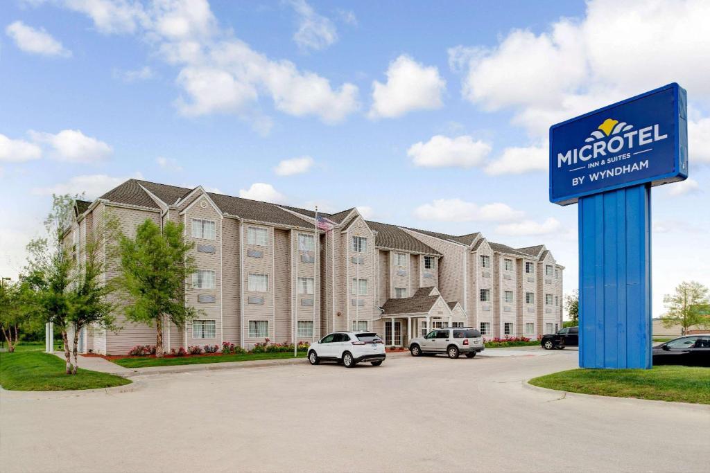 Microtel Inn & Suites by Wyndham Bellevue
