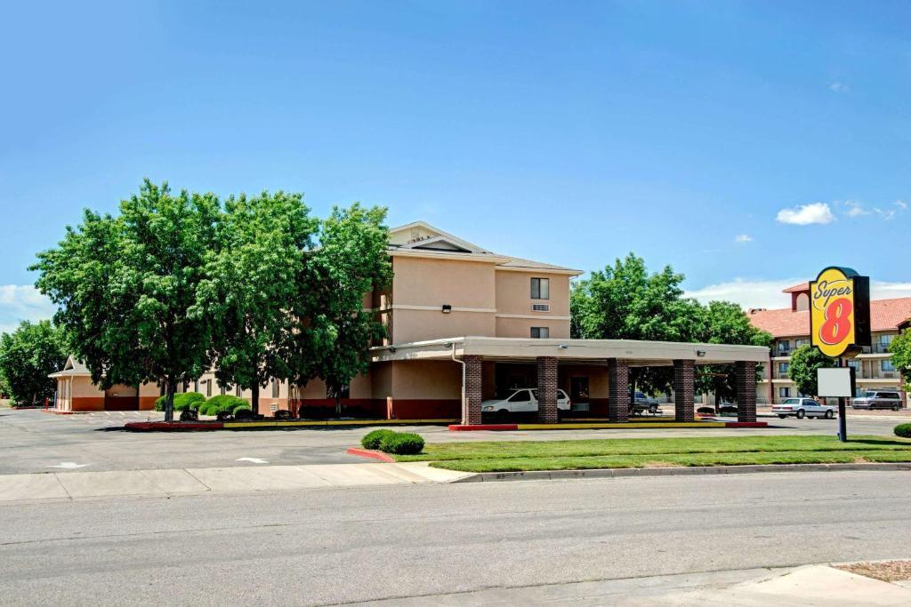 Super 8 by Wyndham Albuquerque West/Coors Blvd