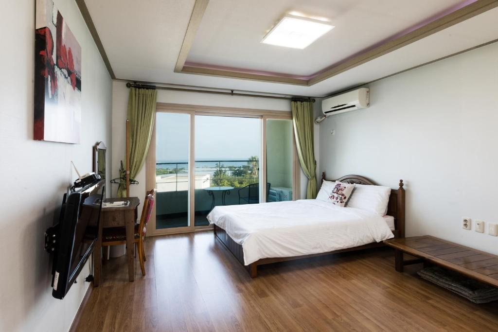 Jeju Bada Wi Olle Pension Book Your Hotel With Viamichelin