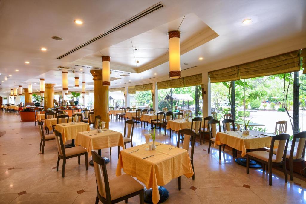 Angkor century resort spa siem reap prenotazione on - Aggiungi un posto a tavola karaoke ...