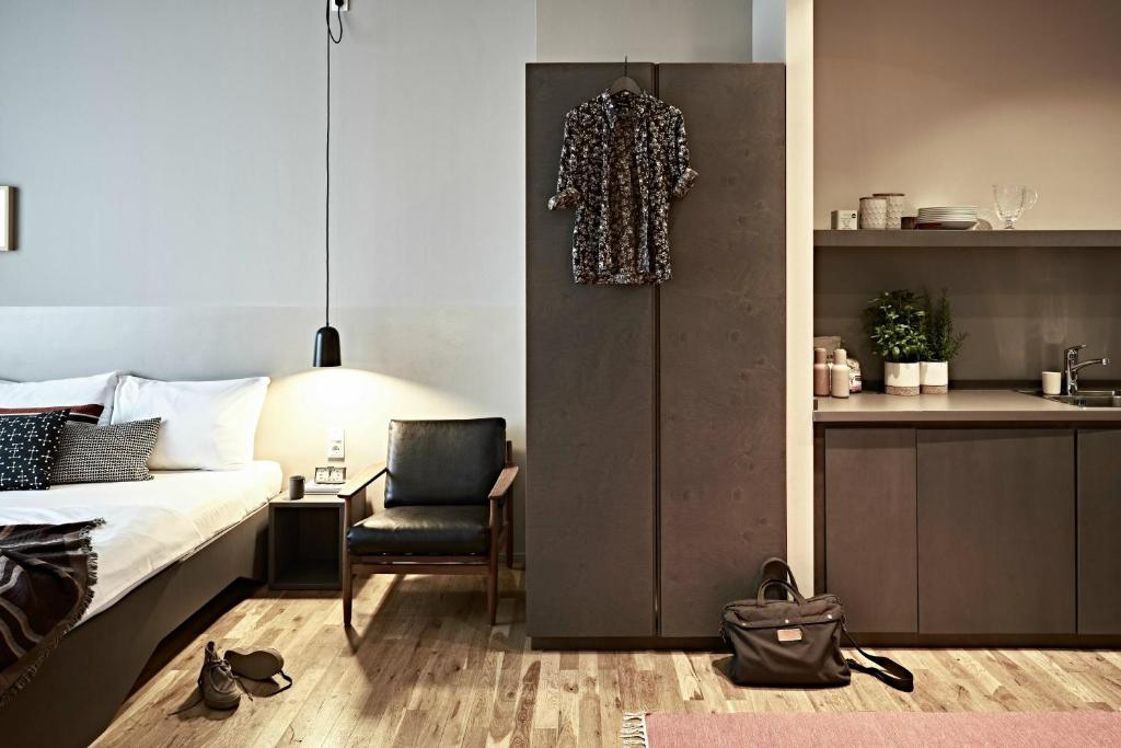 bold hotel m nchen giesing munich book your hotel with viamichelin. Black Bedroom Furniture Sets. Home Design Ideas