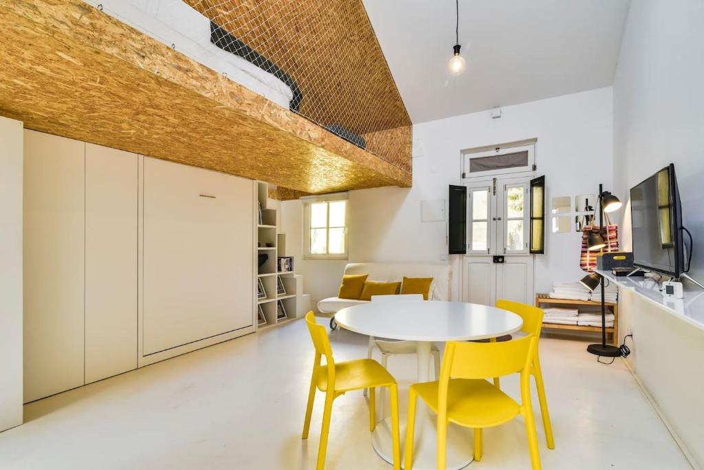 The Mezzanine Studio, Apartment in Lisboa, Portugal | Wander