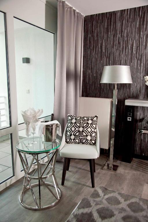 Kurhaus design boutique hotel erwitte informationen for Design boutique hotel kurhaus salinenparc