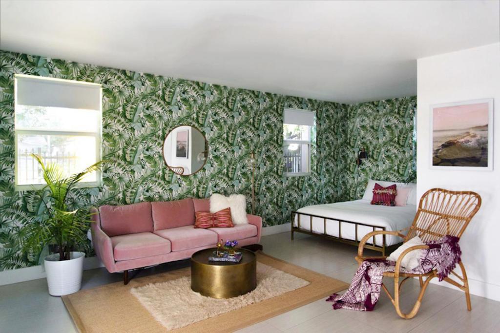 Villa Santro in Miami (FL) - reviews, prices | Planet of Hotels
