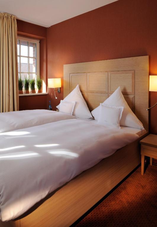 romantik hotel jagdhaus eiden am see bad zwischenahn prenotazione on line viamichelin. Black Bedroom Furniture Sets. Home Design Ideas
