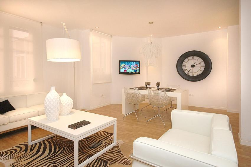 Four-Bedroom Apartment - Marquez de Zenete 20  Valencia Boutique Center