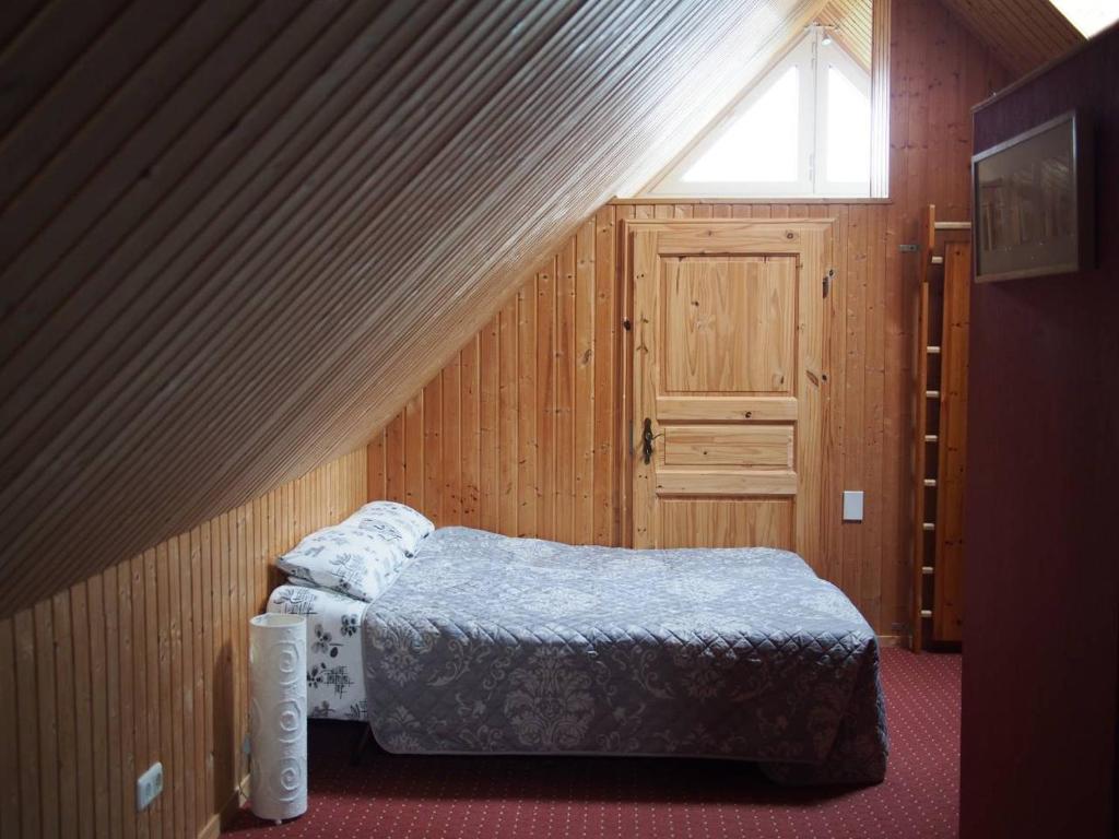 Apartment Im Dachgeschoss Mit Dusche Und Küche Apartment In