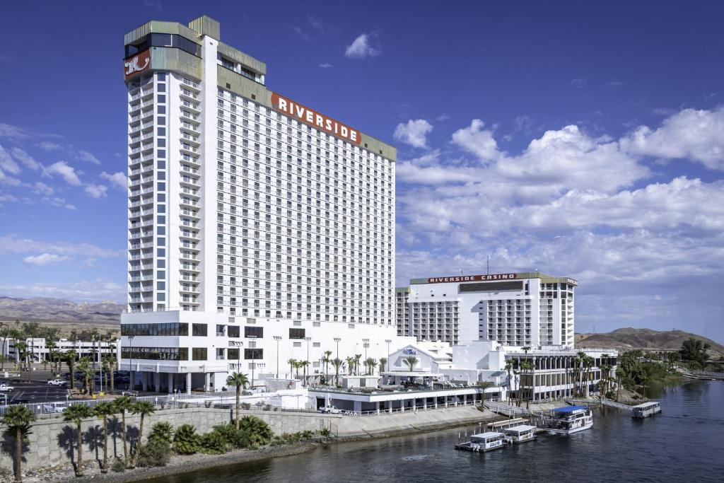 Booking com laughlin nevada - The baby in the hangover