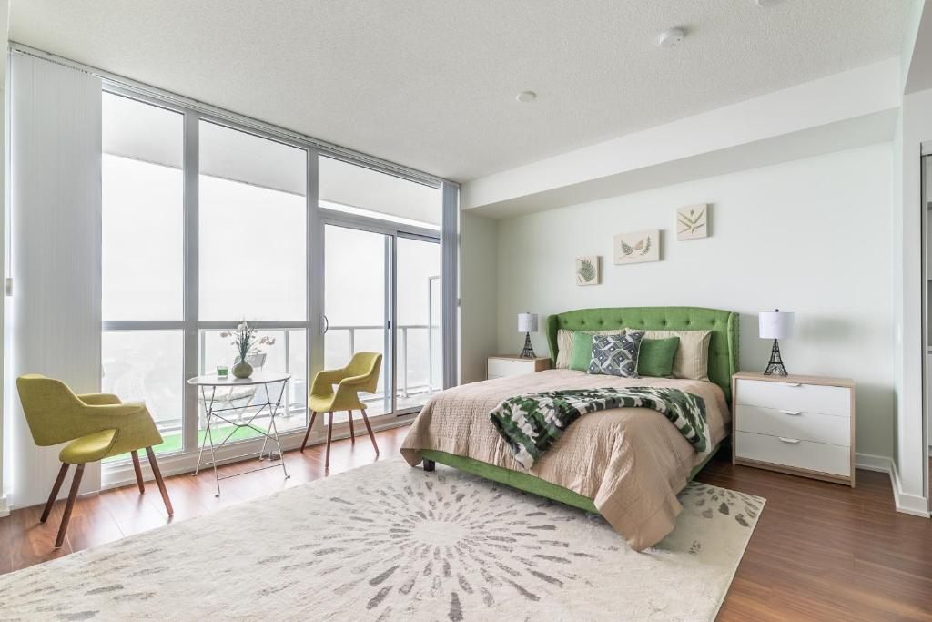 Studio Apartment with Balcony Simply Comfort. Amazing Downtown Apartments