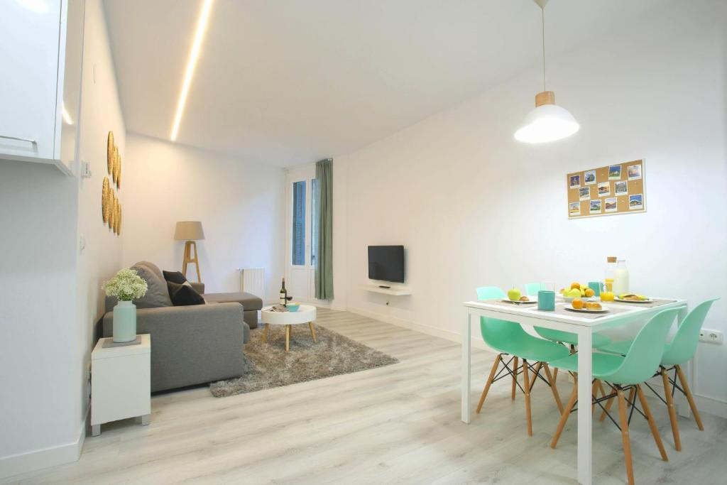Апартаменти Arroka Suite Apartment