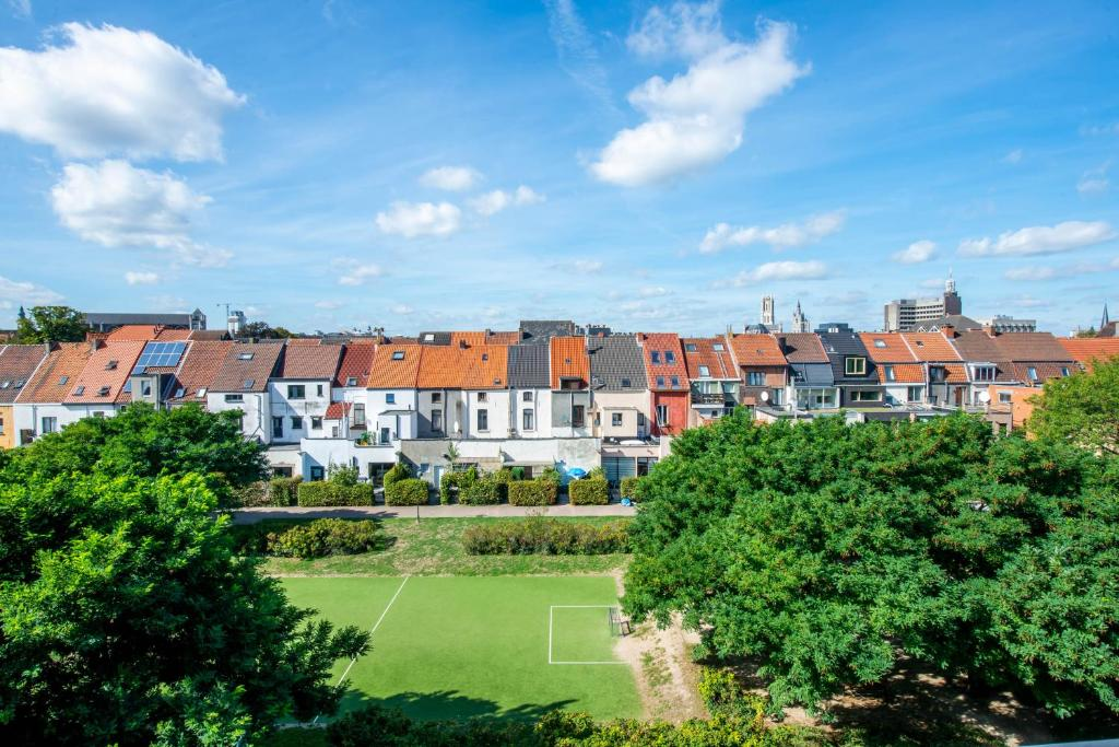Beautiful park view duplex studio in city centre, 9000 Gent