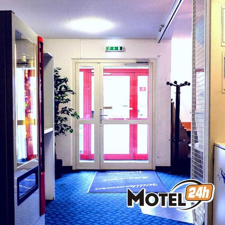 motel 24h k ln r servation gratuite sur viamichelin. Black Bedroom Furniture Sets. Home Design Ideas
