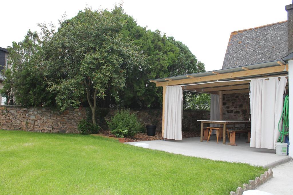 Maison a 15 minutes de la mer, terrasse couverte, jardin clos ...