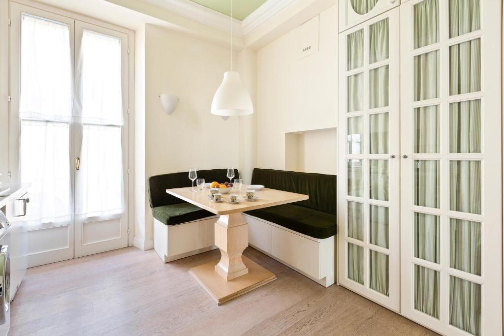 Corso Vercelli Elegant Apartment