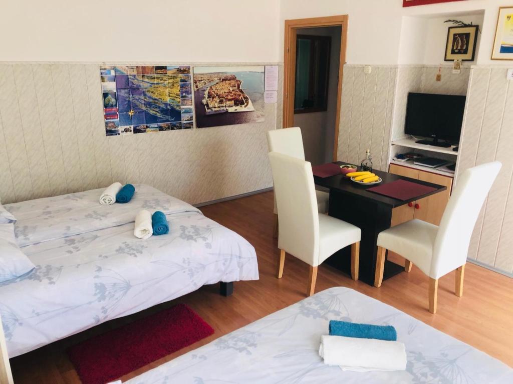 Apartments Campo Castello