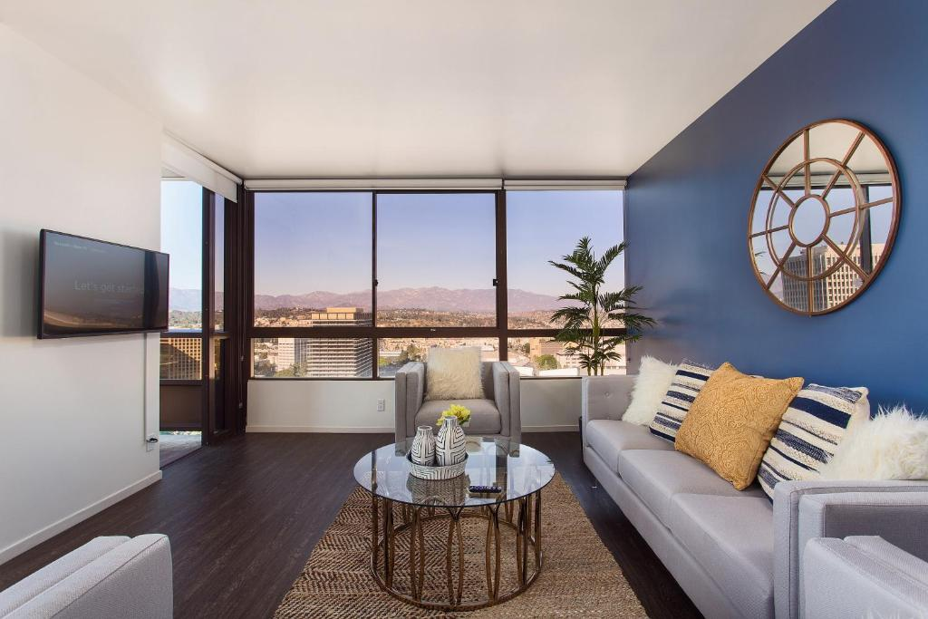 Downtown La Skyline View Penthouse In Los Angeles Ca Room Deals