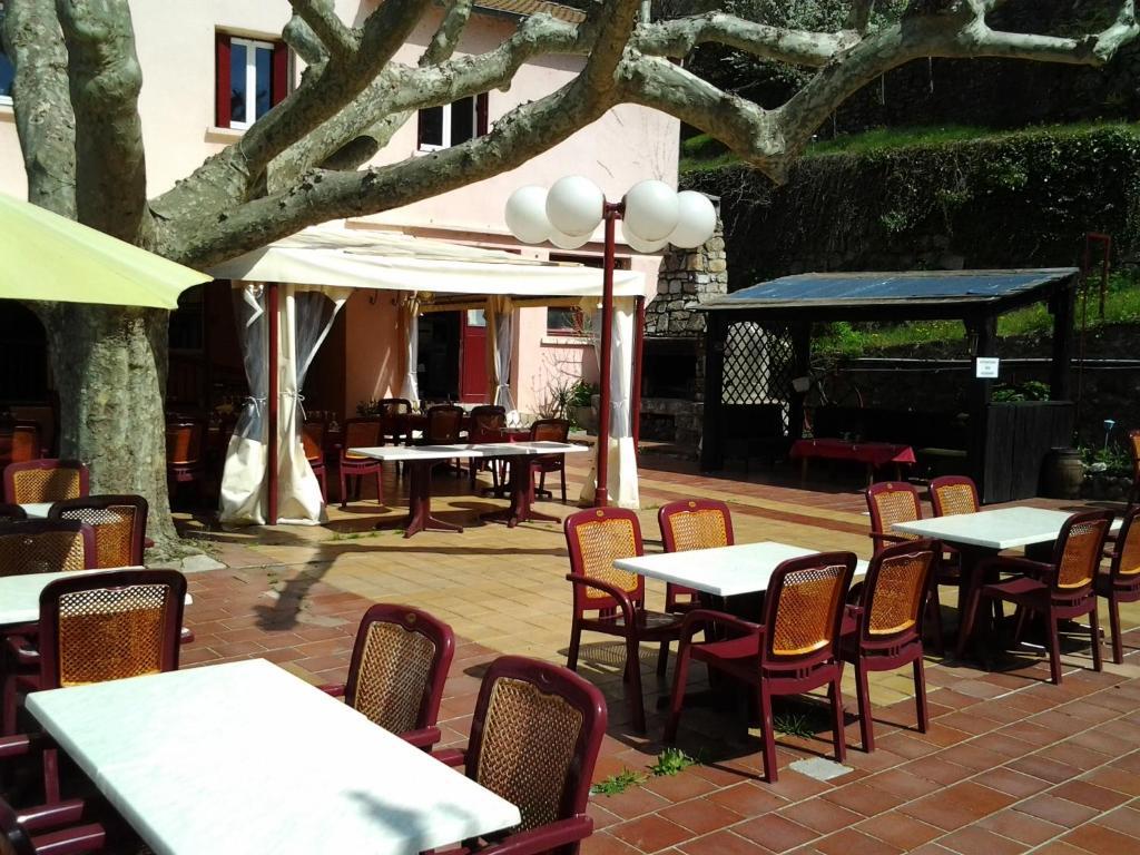 Hotel De La Corniche Des Cevennes Saint Jean Du Gard