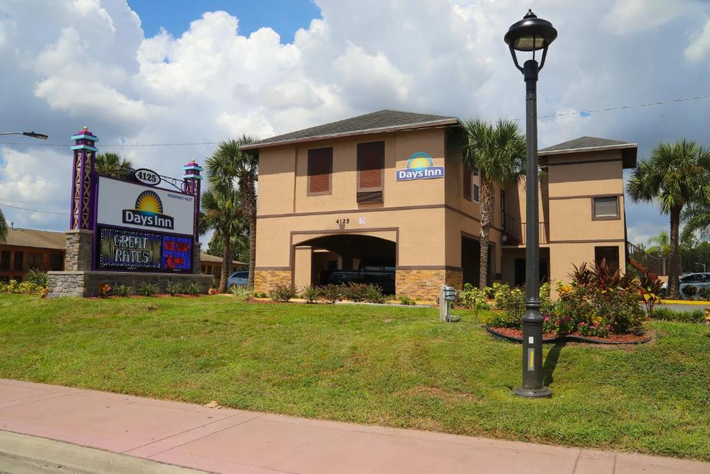 days inn by wyndham kissimmee west kissimmee. Black Bedroom Furniture Sets. Home Design Ideas