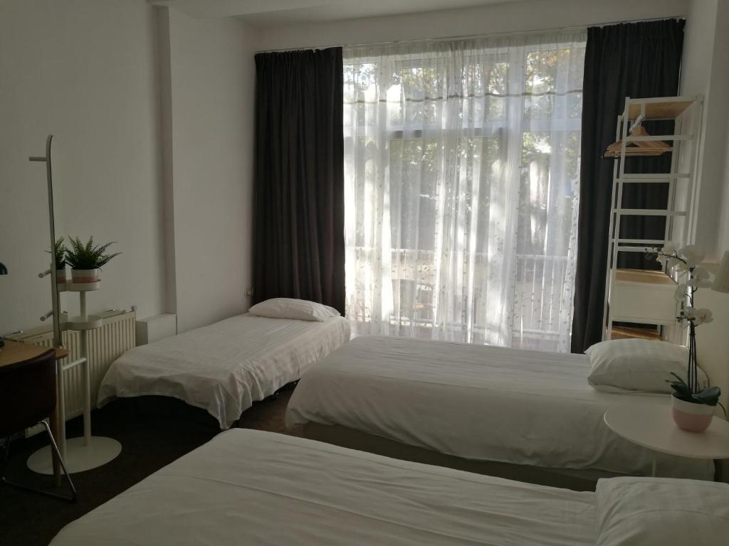 Room photo 907690 from New City Hotel Scheveningen in Scheveningen