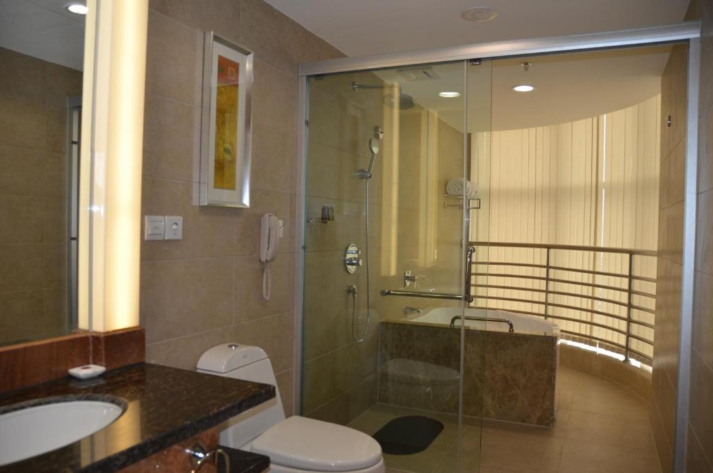 Deluxe Double Room E Mei Shan Central Sunshine Hotel