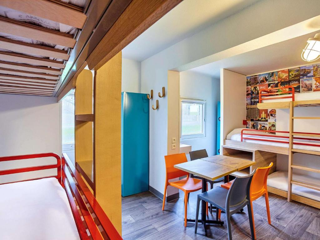 hotelf1 rungis orly r servation gratuite sur viamichelin. Black Bedroom Furniture Sets. Home Design Ideas