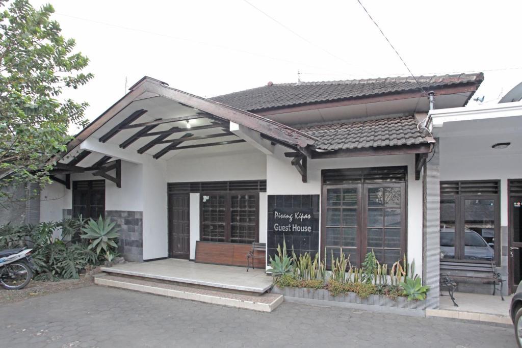 Casas De Huespedes En Malang Indonesia Opiniones Precios Planet Of Hotels
