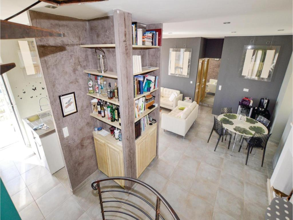 Four-Bedroom Apartment in Embrun