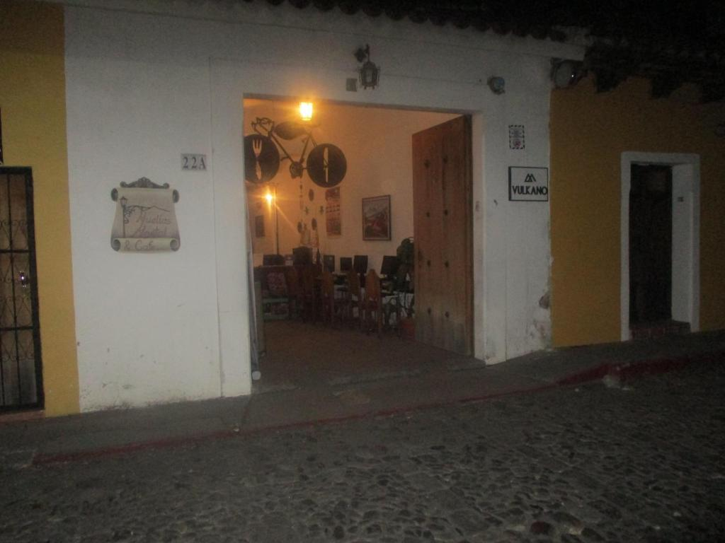 Huellas Hostal Antigua