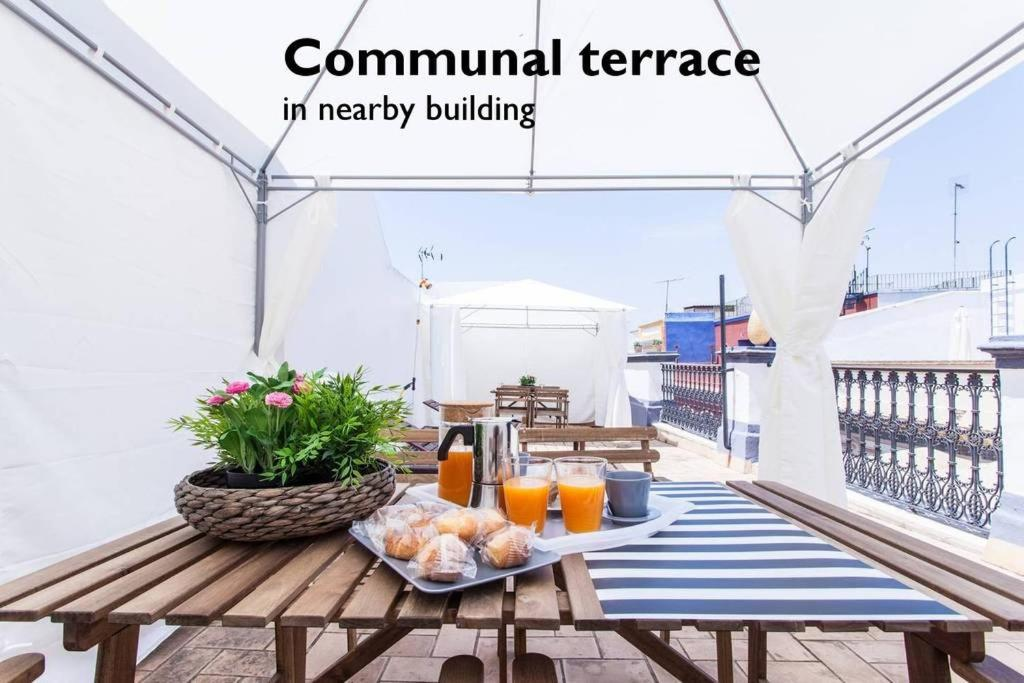 Hostly Rivero 2B Center-Fibre-communal terrace-Parking Optional-CLess